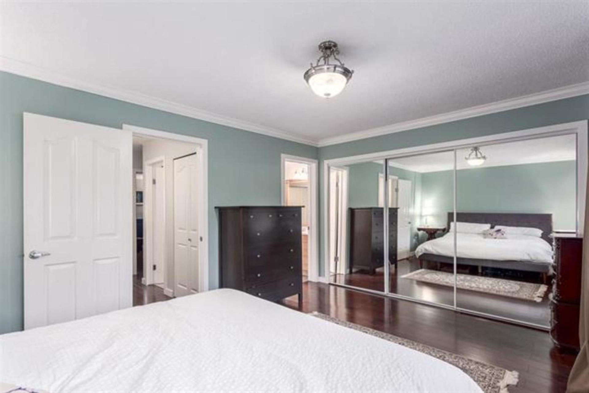 49 - 1910 Cedar Village Cres,, Westlynn Terrace, North Vancouver